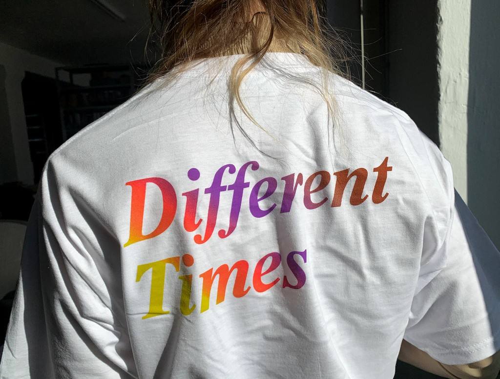 Different Times Gradient Print Back
