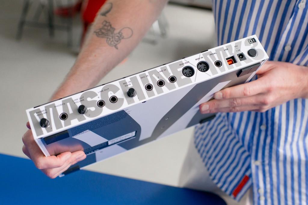 Dinamo Native Instruments DSC 8640